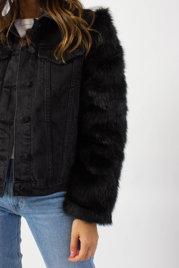 Faux Fur Detailed Denim Jacket
