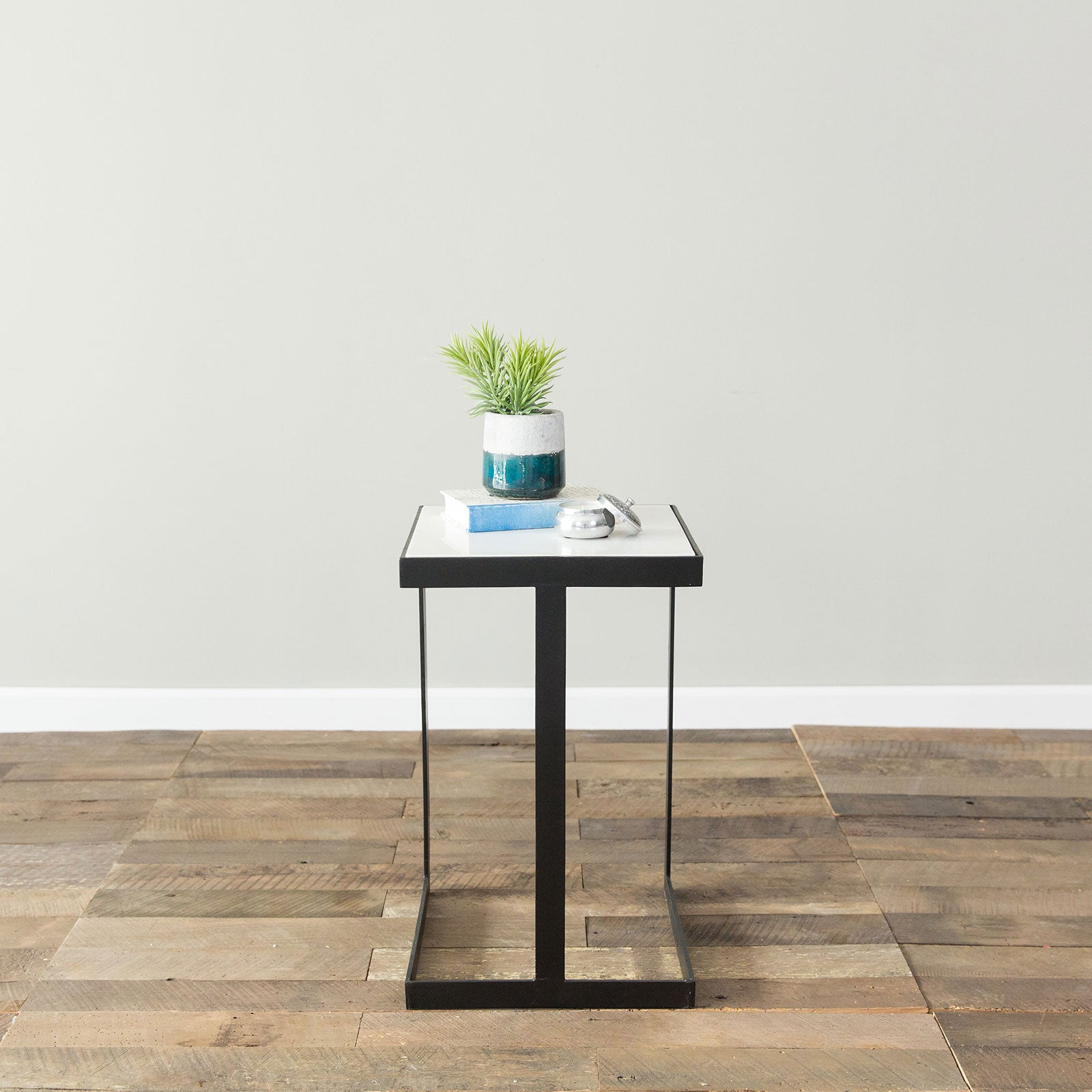 Bayne Accent Table