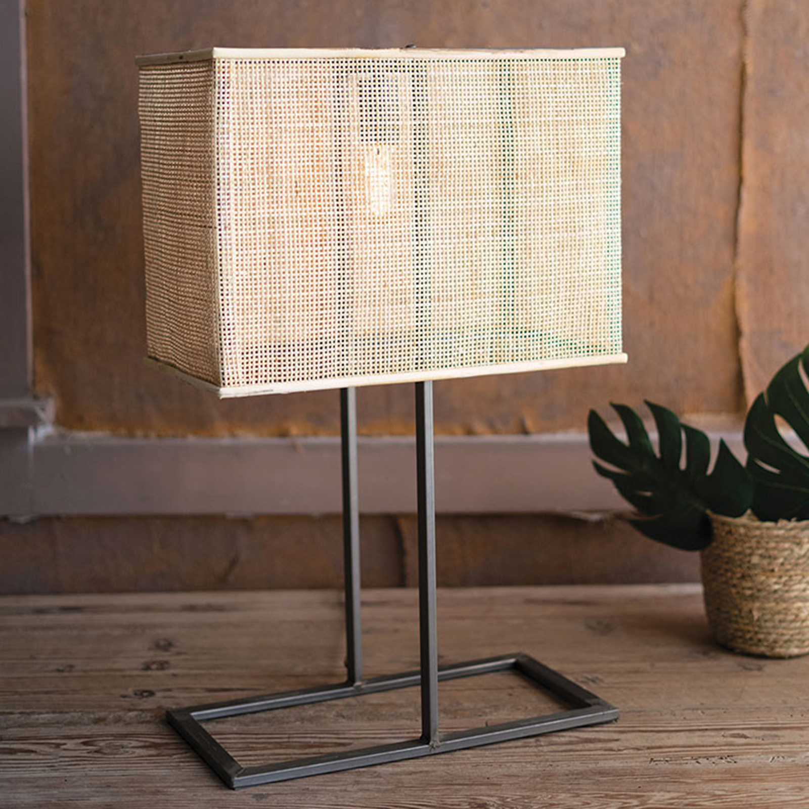 Crue Table Lamp