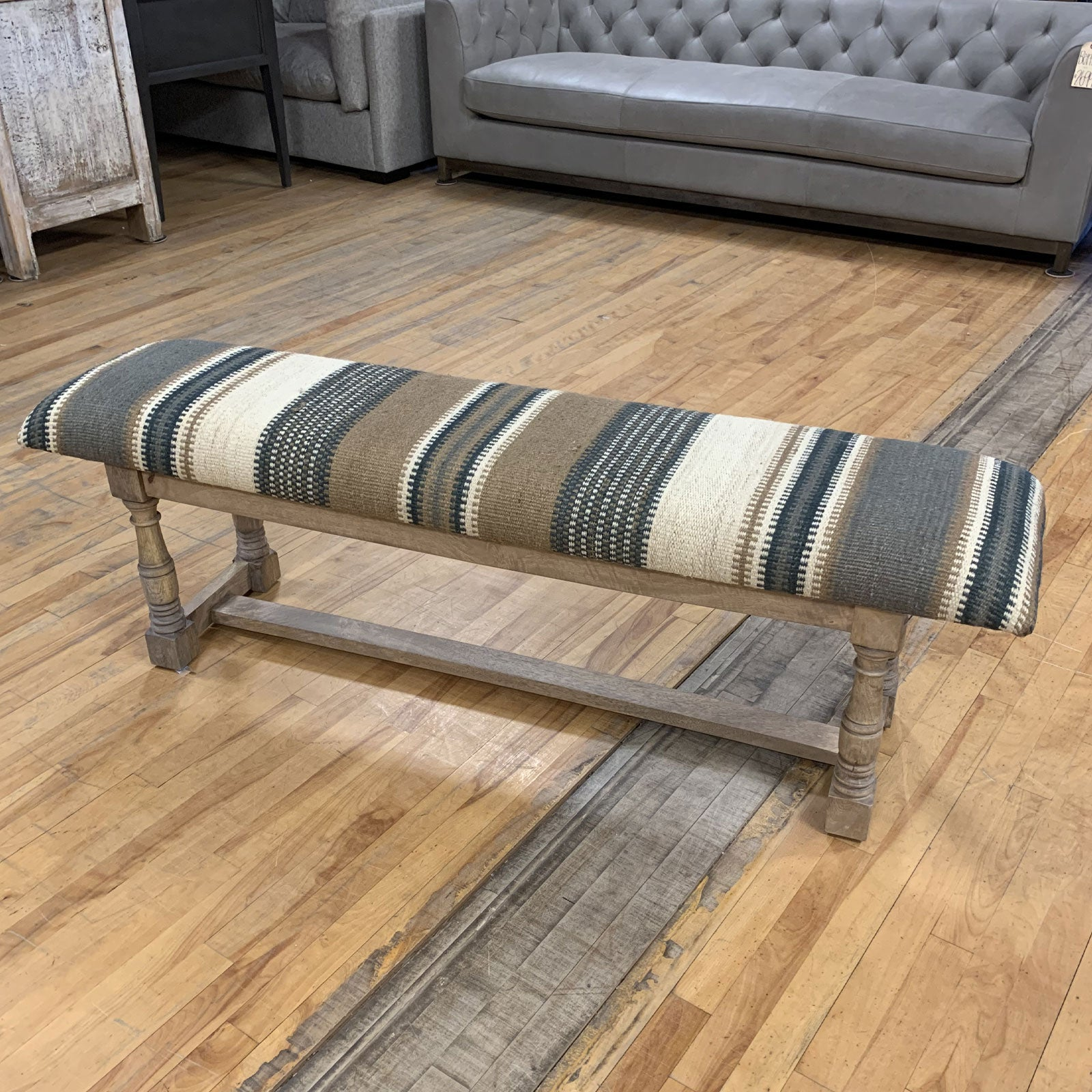 Lubbock Accent Bench