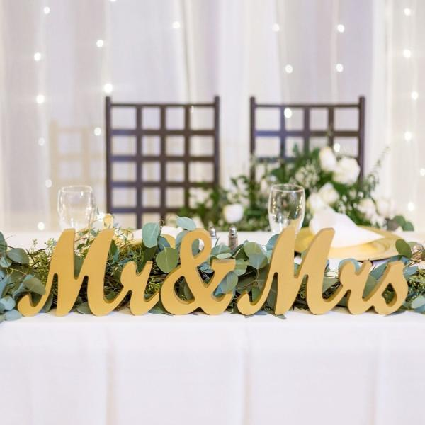 Mr & Mrs Table Signs