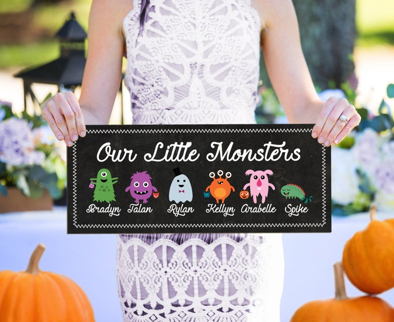 Family Halloween Sign, Kids Name sign, Fall Decor Wooden Sign with Names, Family of Monsters, Halloween Decor Sign