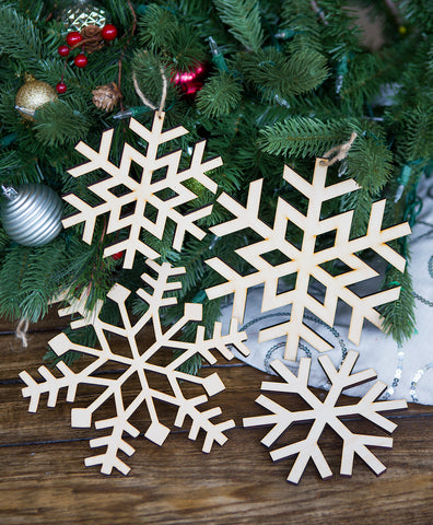 Snowflake Christmas OrnamentWooden Rustic Holiday Decoration for Christmas Tree