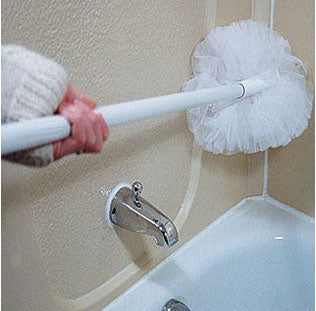 Telescopic Tub Scrubber