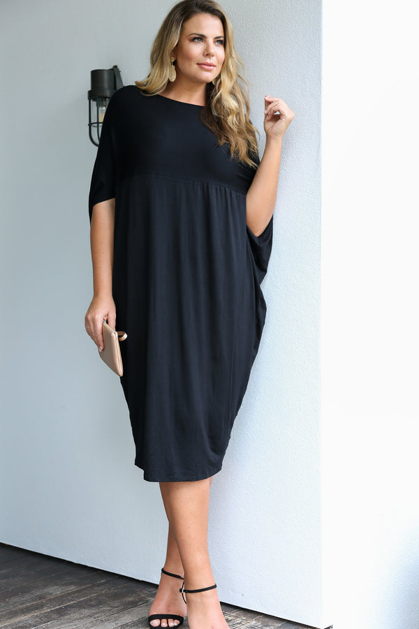 Cocoon Dress in Black (Plus Size)