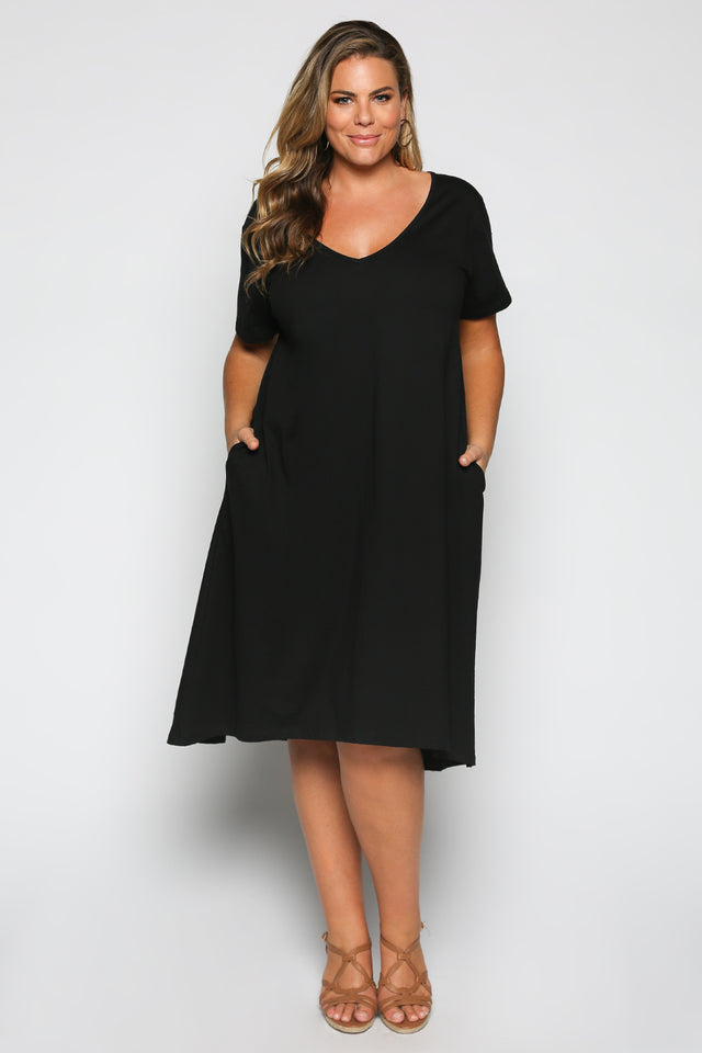 A-line Dress in Black (Plus Size)