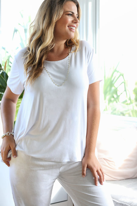 Swing Tee in White (Plus Size)