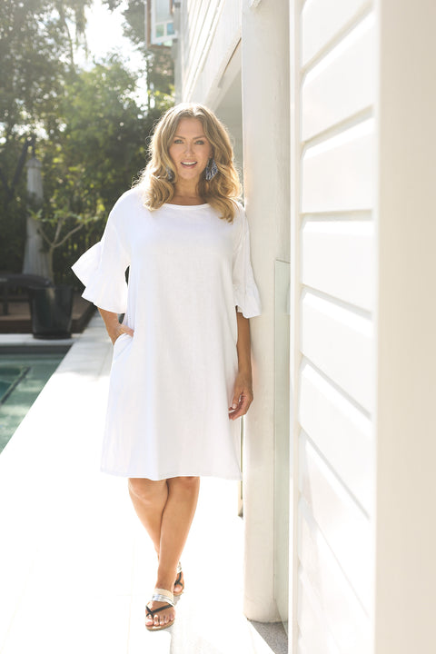 Ruffle Sleeve Shift Dress in White (Plus Size)