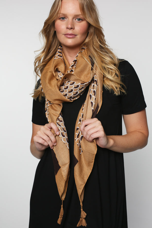 Mahlia Scarf in Beige