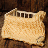 Littolo Newborn chunky knit wool blanket, layer for newborn photography (Cream)