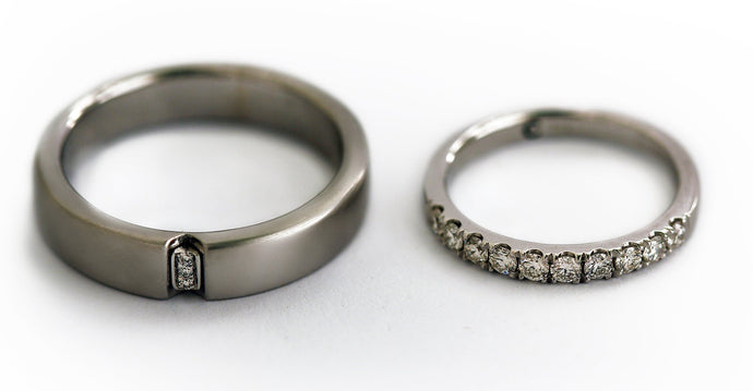 silver matching couple ring set with daiamonds