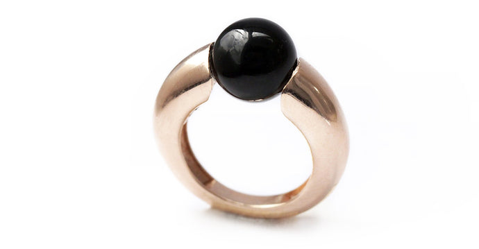 Rose gold and black solitaire stone ring NAMED Donut