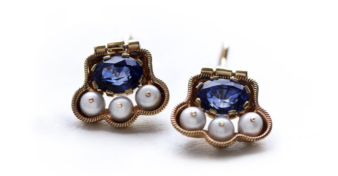 Japanese earrings with Pearls and blue Sapphire in yellow-gold tone