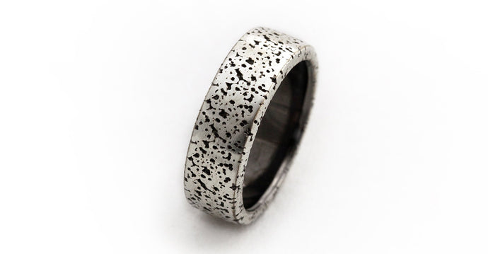Men's wedding gold or silver texture band