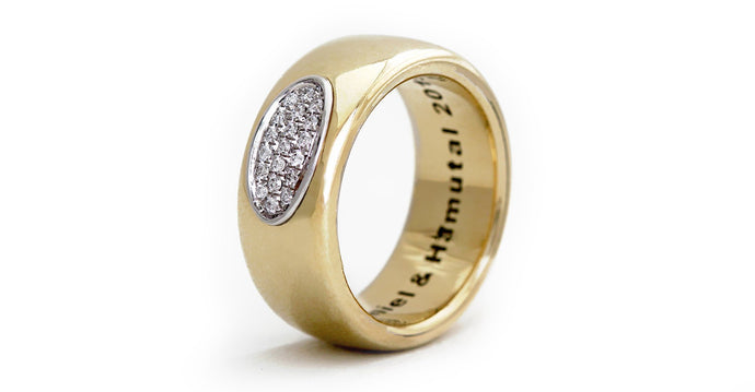 Armer solid gold and diamond commitment ring