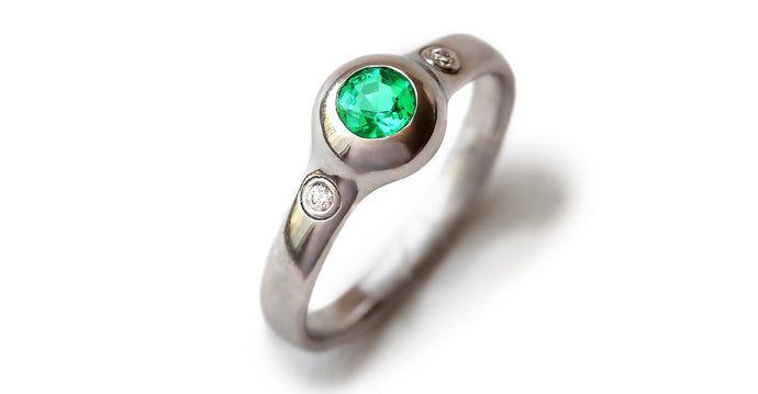 Gumpha Emerald engagement ring with Diamonds