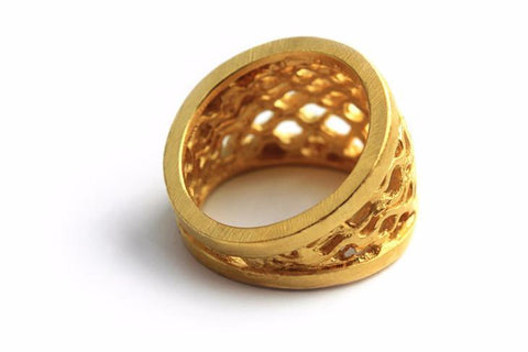 CONTOUR BEE HIVE RING - yellow