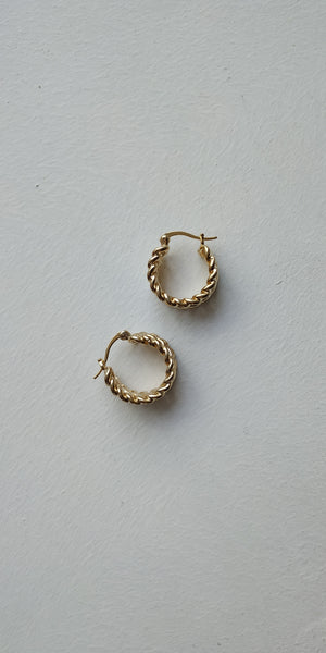 Wide Mini Chain Hoops