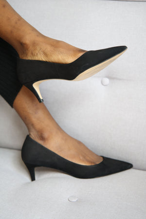 Eva Black Classic Pointed Courts