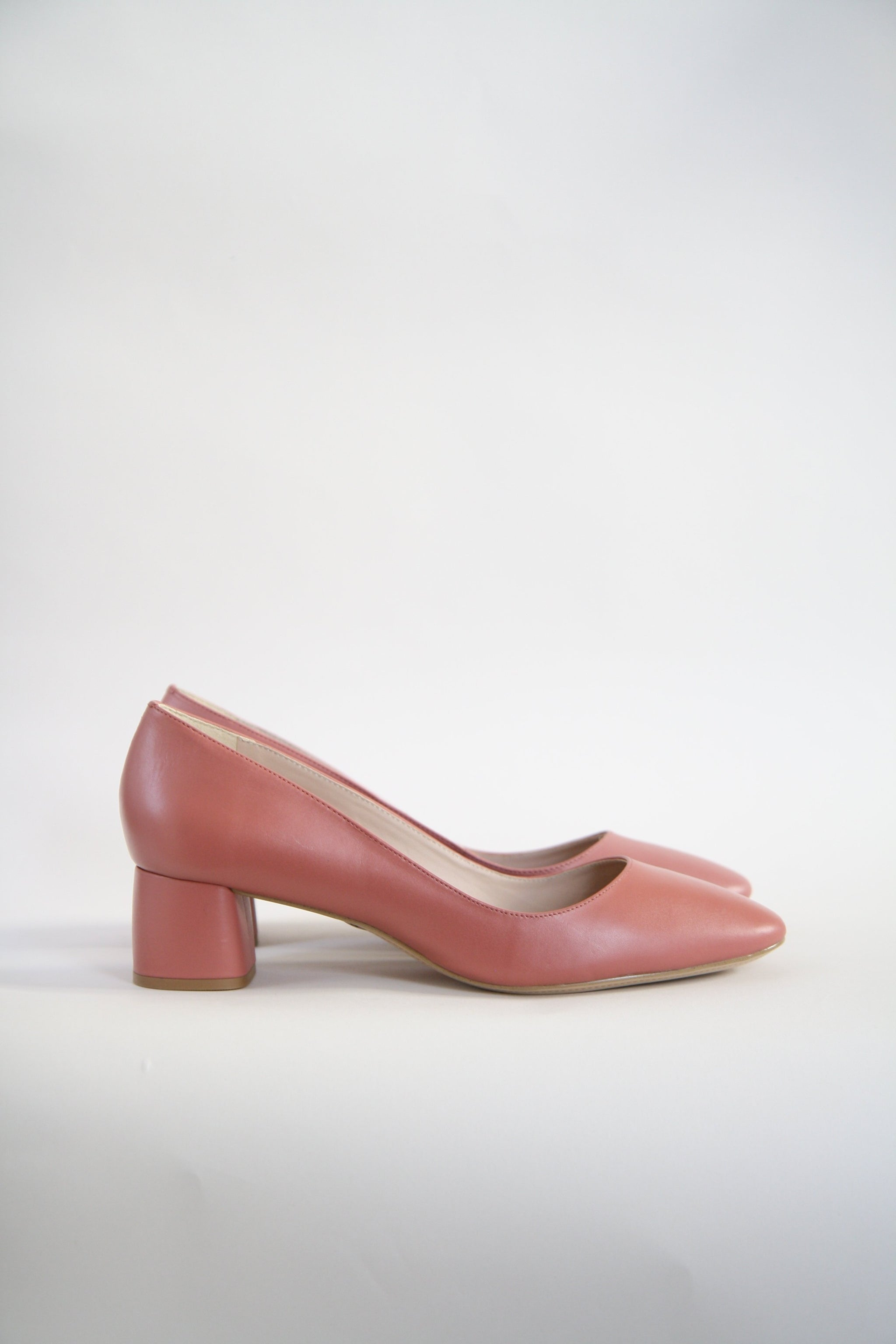d020872d723b Jeanne Pink Round Toe Pumps - Bird On A Wire
