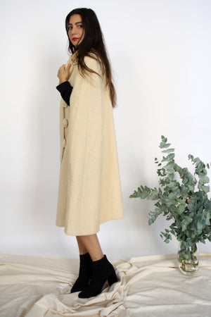 Elegant 70s Cream Wool Cape