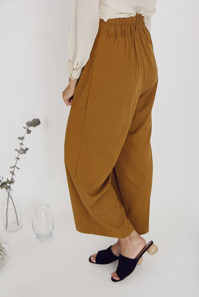 90's Loose Fit Trousers