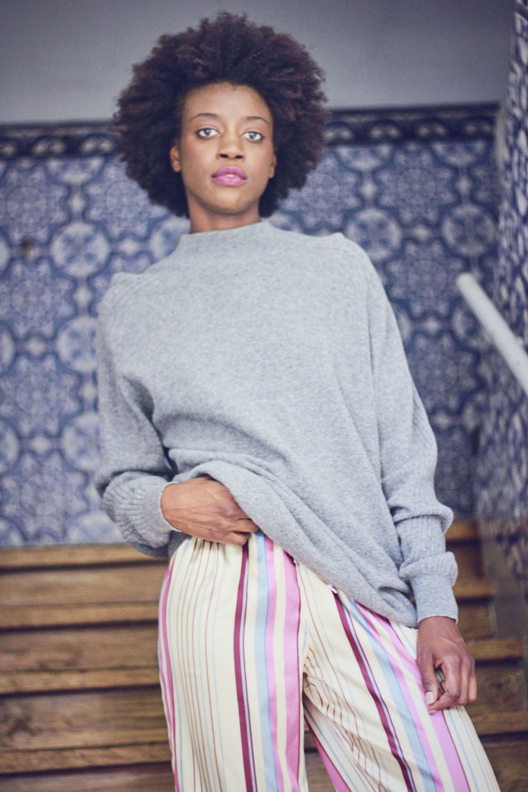 90s Vintage Grey Fine KNit Oversized Jumper