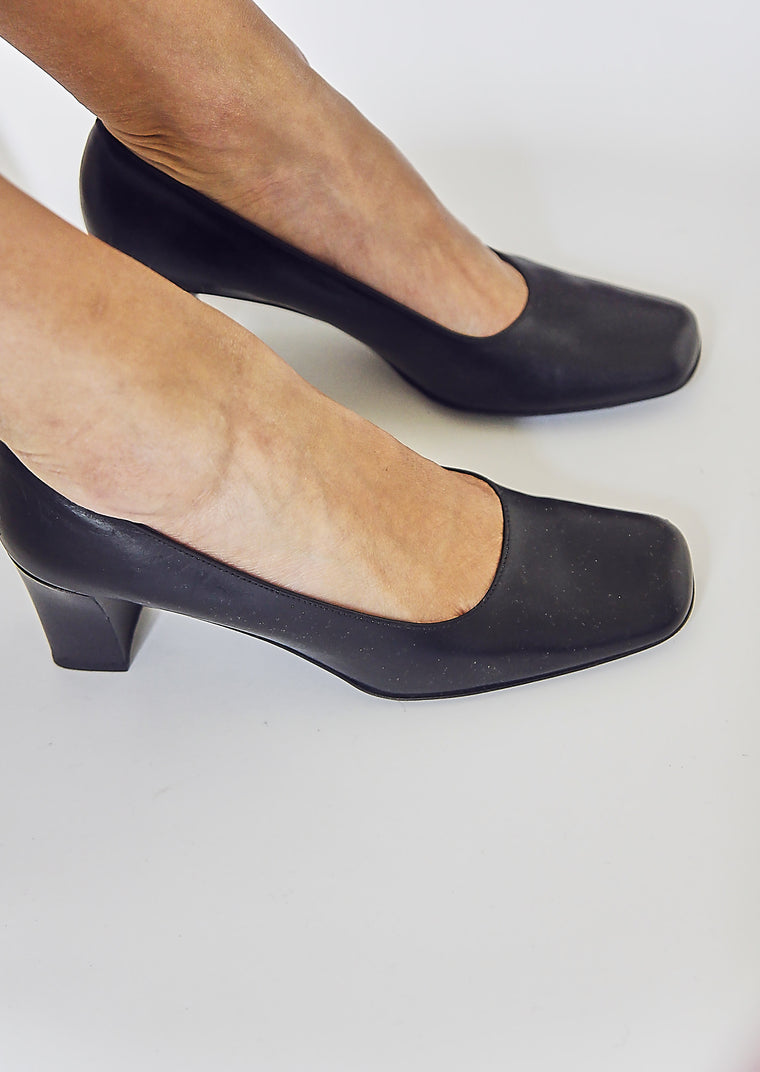 90s Black Square Toe Leather Pumps