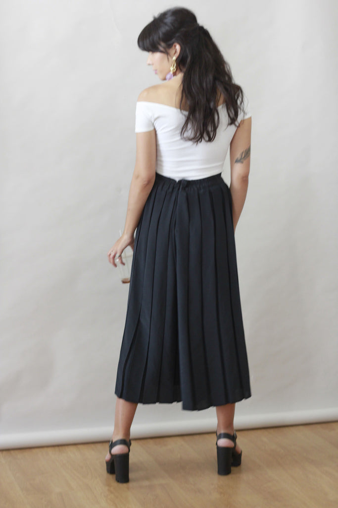 90s Vintage Pleated Black Palazzo Trousers