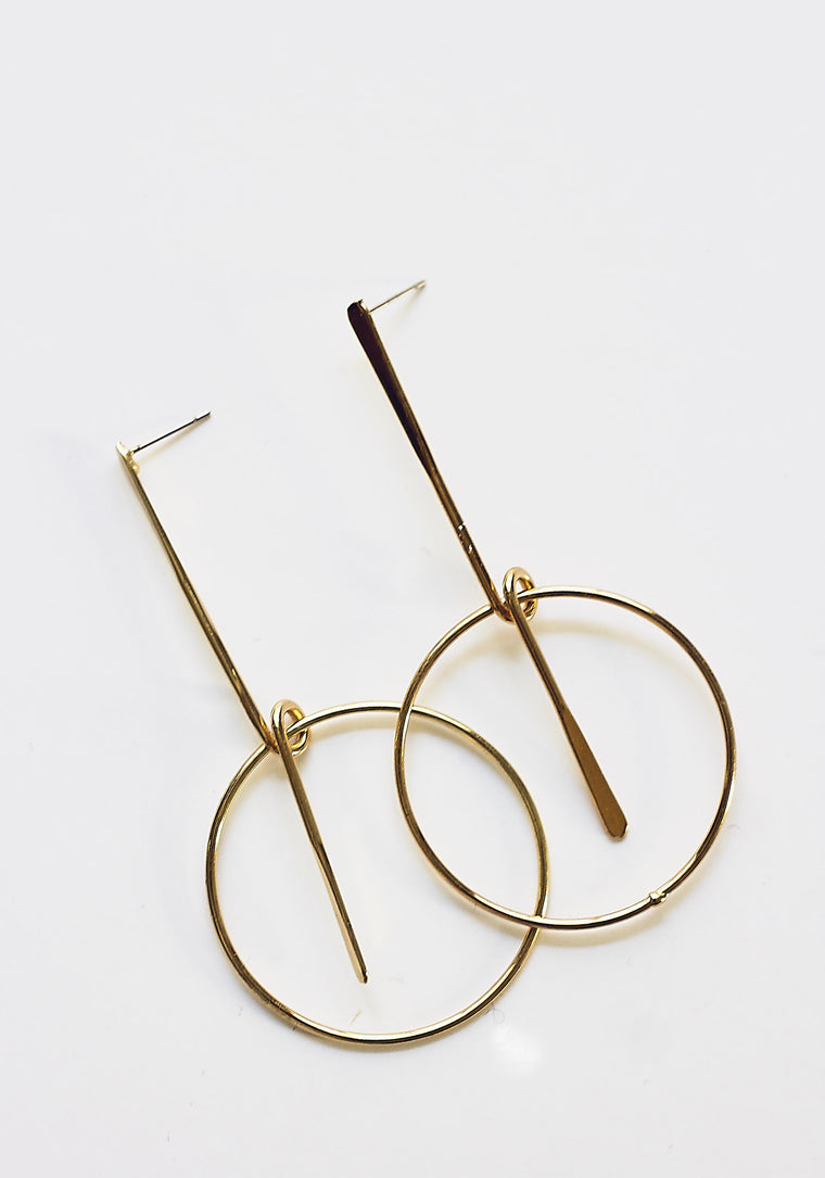 Minimal Swing Pendant Earrings