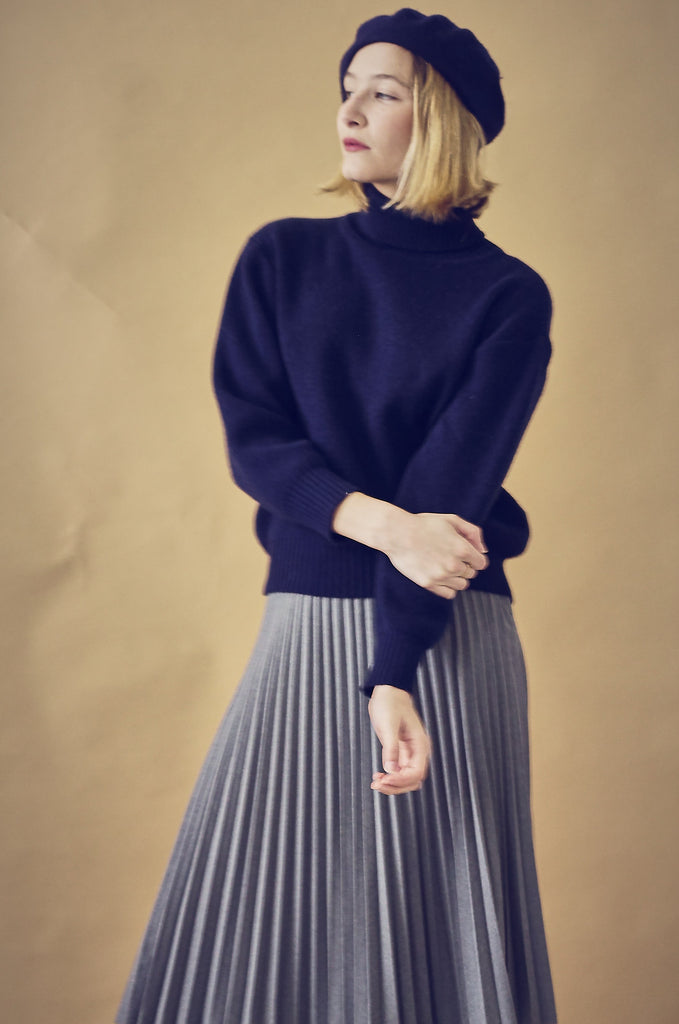 Vintage Ribbed Navy Turtle Neck