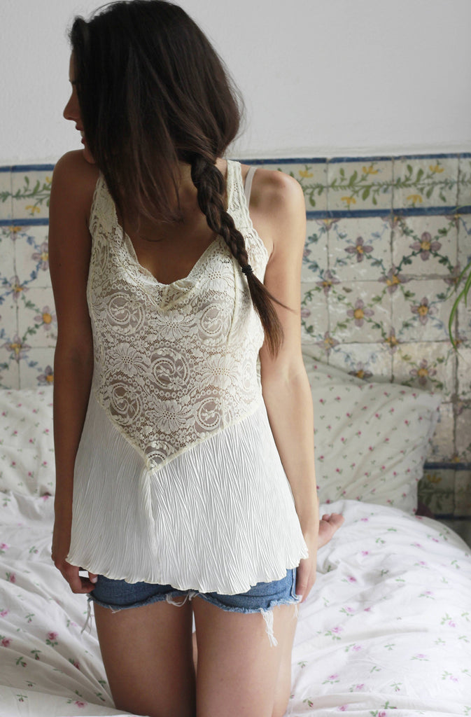 90s Vintage Cream Lace Tank Top