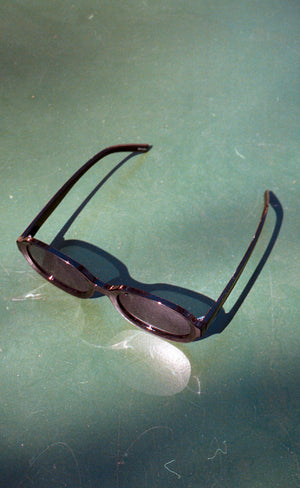 Black 90s Oval Sunglasses