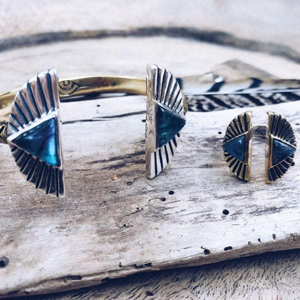Shape Shift Cuff :: Labradorite