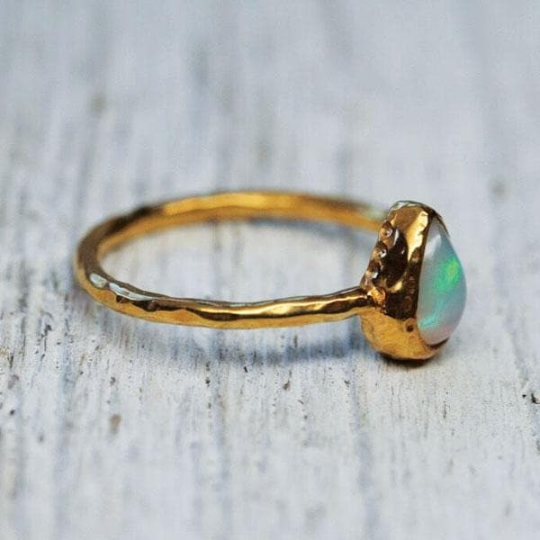 Stardust Opal Ring : Gold