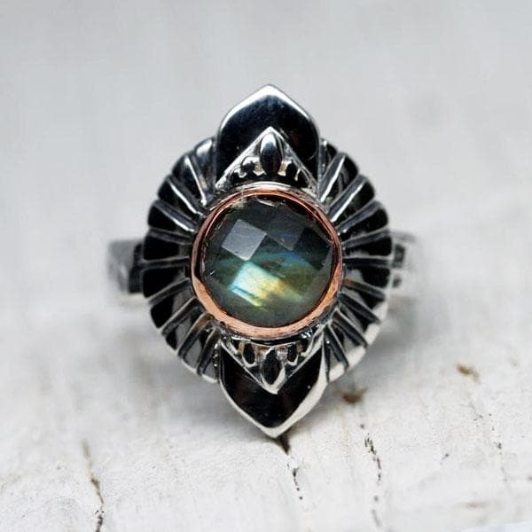 Rebirth Ring : Labradorite