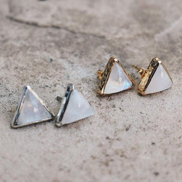 Grand Pyramid Stud Earrings :: Moonstone