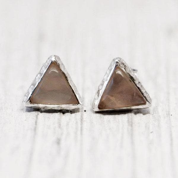 Petit Pyramid Earring : Rose Quartz
