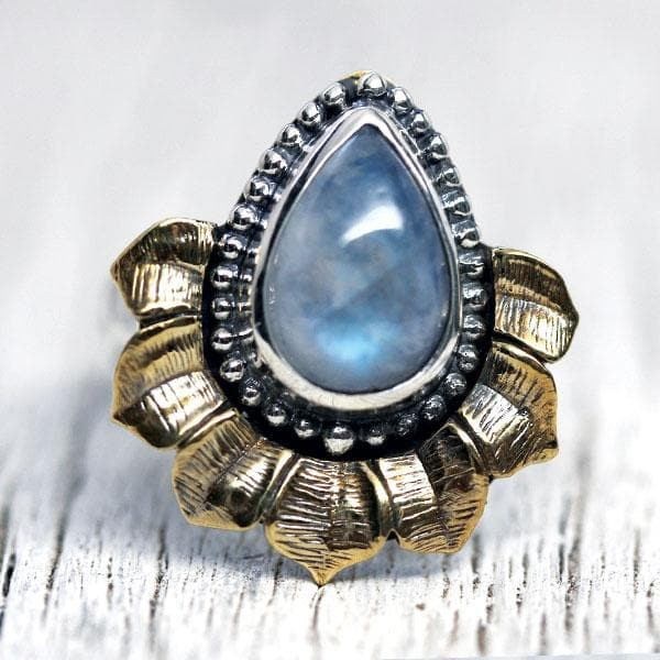 Lotus Ring - Moonstone