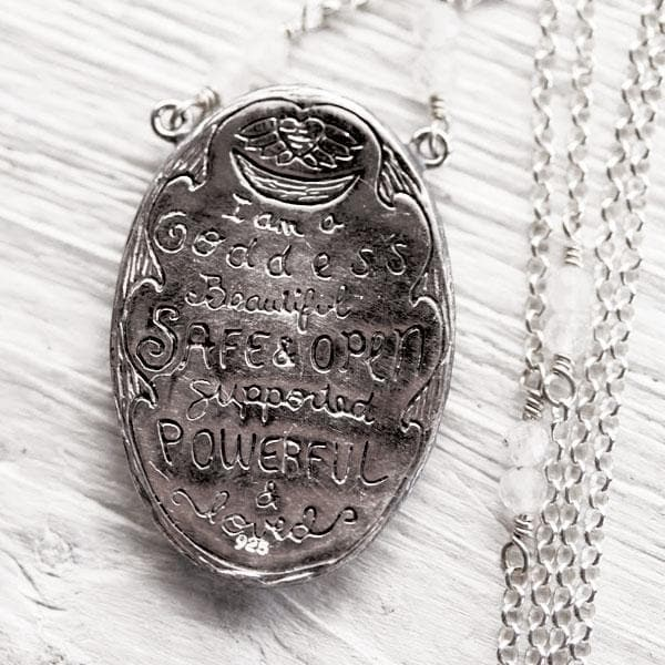 Birthing Priestess Necklace :: Silver