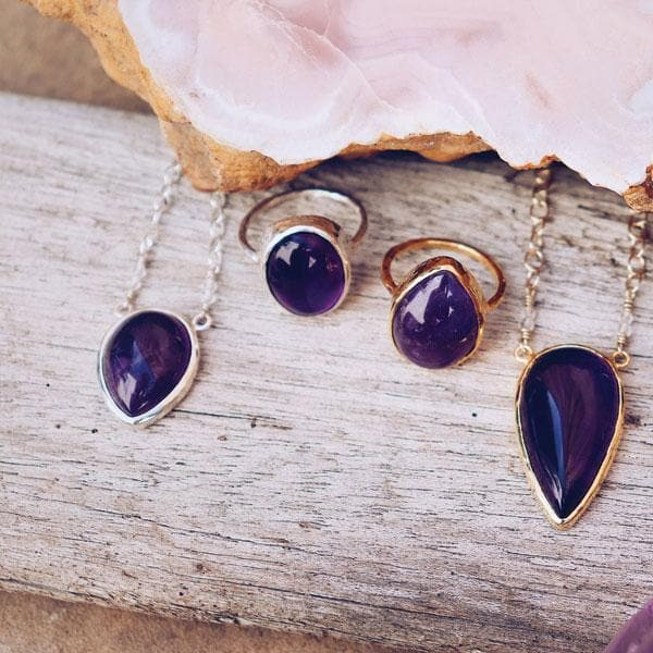 Amethyst Petit Tear Necklace :: see more colors