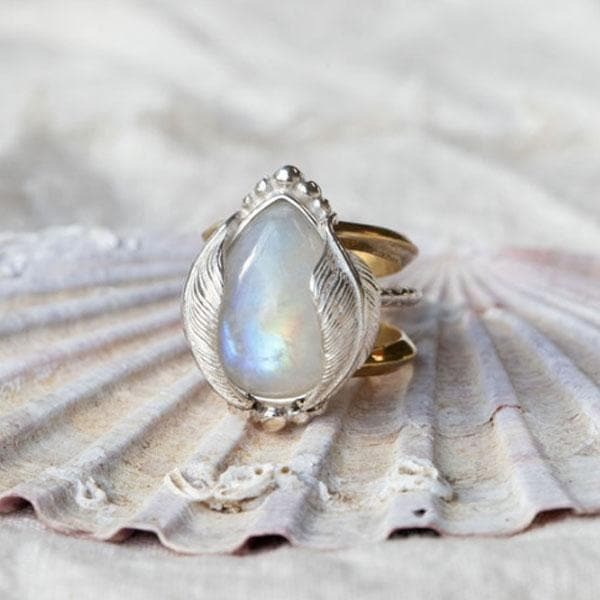 Kinship Ring :: Moonstone Tear