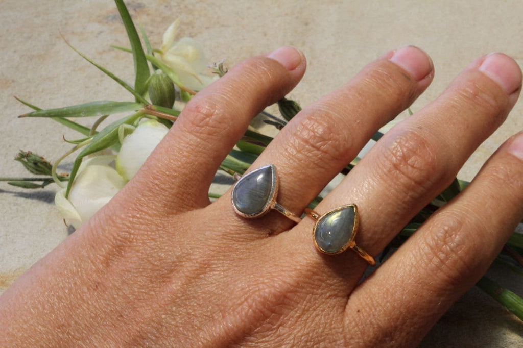 Labradorite Tear Elfin Ring