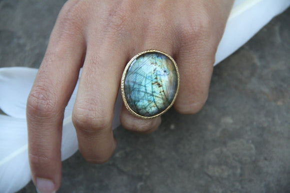 Flashy Labradorite Ring
