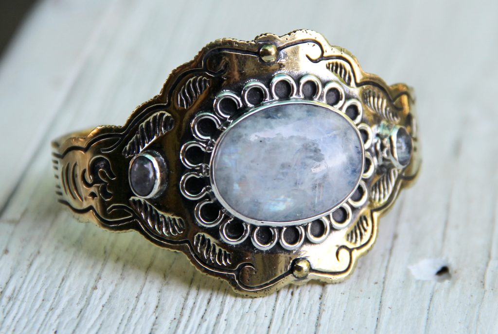 Illuminate Cuff :: Moonstone