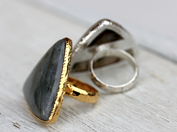 Pyramid Labradorite Ring