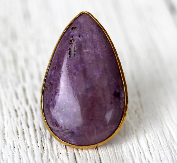 Grand Gold Sugilite Ring