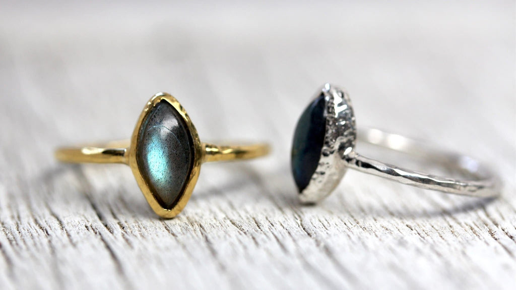 Villager Ring :: Labradorite