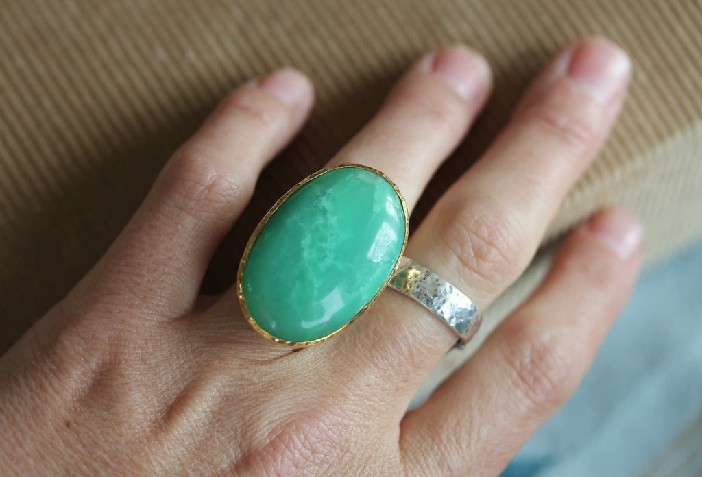 Grand Chrysoprase Ring