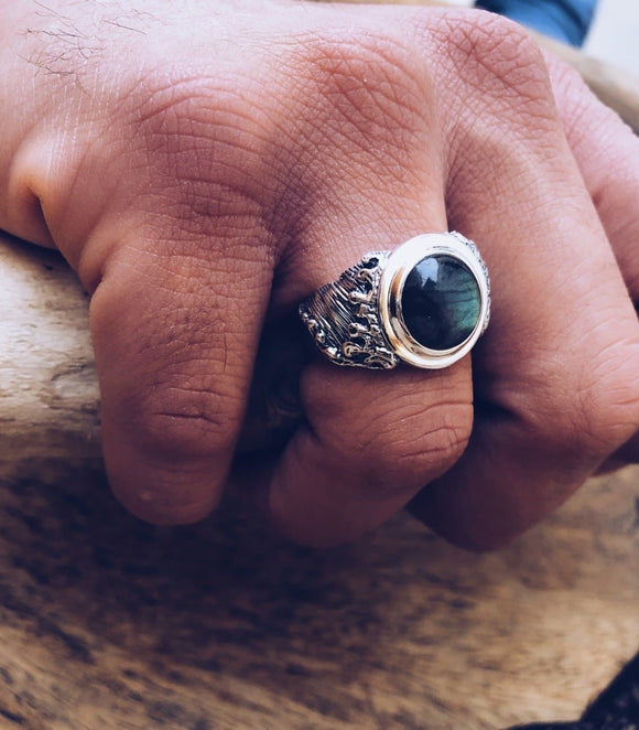 Labradorite Grateful Ring :: Mens